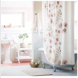 NWT Thresholds Shower Curtain